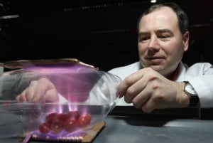 Kevin Keener is developing methods using cold plasma to kill bacteria on in-package foods. Credit: Tom Purdue Agricultural Communication file photo/Tom Campbell