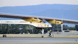 The Solar Impulse plane takes off from Mountain View, California on May 3, 2013. The first manned aircraft that can fly day and night powered entirely by solar energy was to leave Texas for Missouri on Monday.