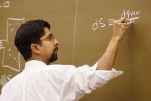 Chemistry Professor Vijay Pande is taking his traditional classroom course in software engineering online to reach thousands of people around the world who want to start their own companies.