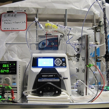 Graduate student Michael Stern and his co-workers built this laboratory-scale device to prove the principles behind the electrochemical carbon-capture system.  Photo: Michael Stern