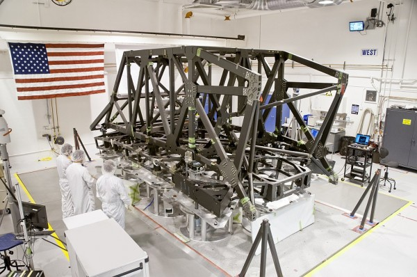 Technicians complete the center section of the backplane and backplane support frame for NASA's James Webb Space Telescope at ATK's facility in Magna, Utah. Photo Credit: ATK