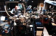 The magnetite experiment was conducted at the Soft X-ray Materials Science (SXR) experimental station at SLAC National Accelerator Laboratory's Linac Coherent Light Source X-ray laser. (Brad Plummer/SLAC)