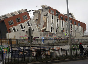 A huge 2010 Chile earthquake (pictured here) set off lesser tremors near waste-injection sites in central Oklahoma and southern Colorado, says a new study. (Claudio Núñez)