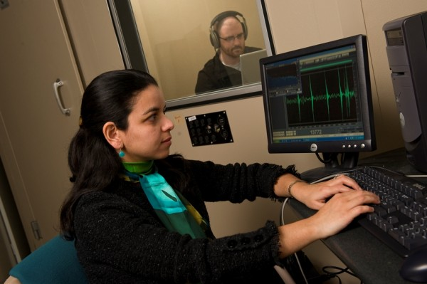Mounya Elhilali conducts behavioral experiments on how listeners perceive sounds in various acoustic environments. Credit: Will Kirk, Homewood Imaging and Photographic Services, Johns Hopkins University