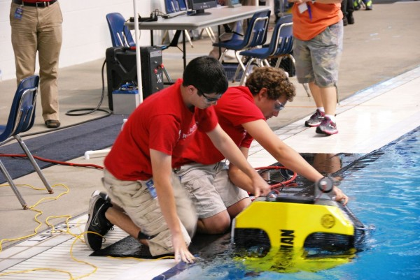 Students from Jesuit High School in Carmichael, Calif., the first place winners in the Explorer (advanced) class, prepare to launch their vehicle. Credit: MATE Center