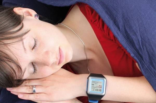Thanks to specially developed software, this smartwatch can be used for sleep analysis: a benefit for all those who suffer from sleep disorders.