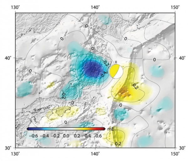 Changes in Earth's gravity field resulting from the earthquake that hit Japan on 11 March 2011 (mE=10-12s-2).  A combination of data from ESA's GOCE mission and the NASA–German Grace satellite, shows the 'vertical gravity gradient change'. The 'beachball' marks the epicentre. Copyright DGFI/TU Delft