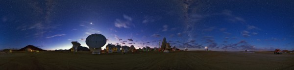A 360 degree panorama of theAtacama Large Millimeter/submillimeter Array (ALMA), high onthe Chajnantor plateau, 5000 metres altitude in northern Chile. Taken during theESO Ultra HD Expedition.