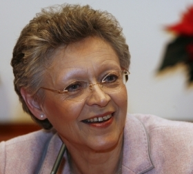 French Nobel prize-winning virologist Françoise Barré-Sinoussi. Image source: UNSW
