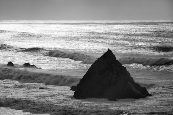 Looking at the ratio of hydrogen to its heavy isotope deuterium in ocean water and other more exotic samples such as comets and meteorites, can help scientists learn about the water on our planet's origin. Photo of the California coast by Carnegie President Matthew Scott.