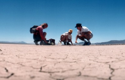 Picture: Scientists prepare for planet mars via the mojave. Image credit: woodleywonderworks via Flickr, CC BY 2.0.