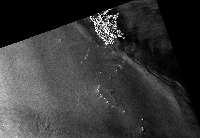 The B17-A iceberg, 32 km long, and its fragments south of the South Georgia and South Sandwhich Islands (top) are captured in this radar scan by Cosmo-SkyMed in December 2014. Copyright ASI/Cosmo-SkyMed 2014, processed by e-GEOS