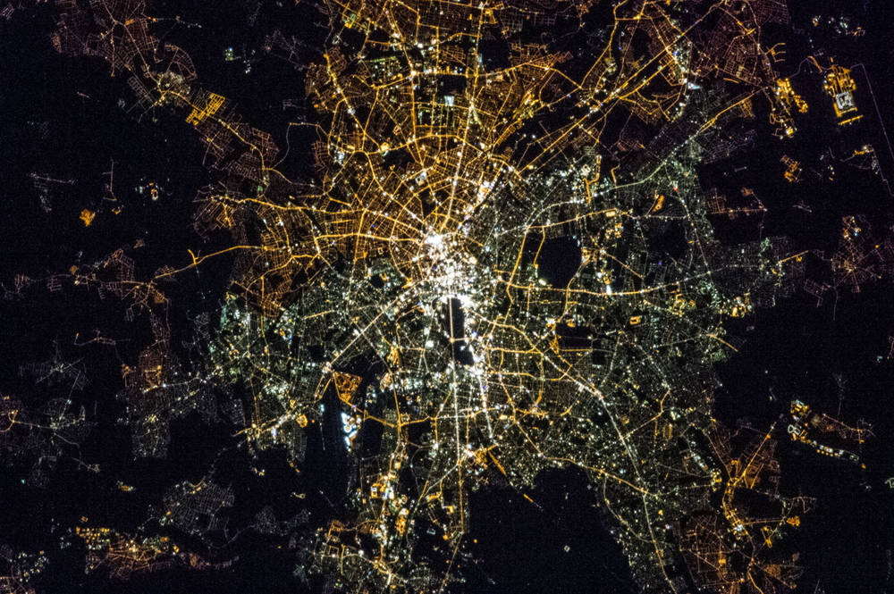 Berlin at night, seen from the ISS (Foto: Earth Science and Remote Sensing Unit, NASA Johnson Space Centre)