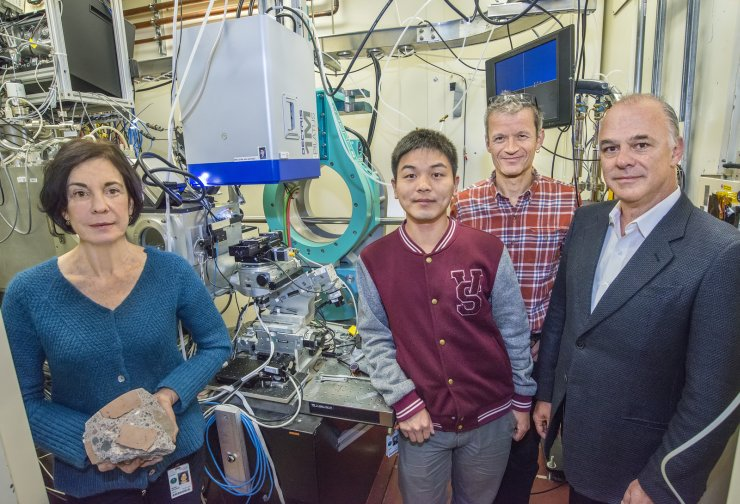 (From left) Marie Jackson, Qinfei Li, Martin Kunz and Paulo Monteiro at ALS Beamline 12.3.2 where they conducted a study on ancient Roman concrete. (Photo by Roy Kaltschmidt)