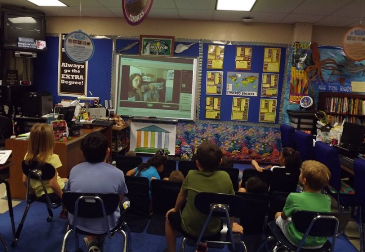 Fifth graders in Wendy Brake's class at Leon Spring Elementary in San Antonio, Texas, participating in an EEAB webinar. Image Credit: Wendy Brake