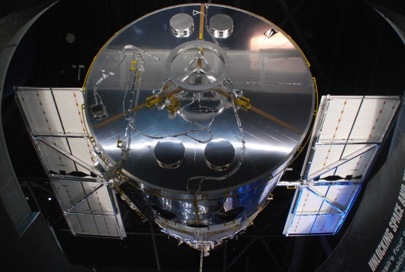 A replica of the Hubble Space Telescope on display at the Kennedy Space Center. Credit: Photo by author.