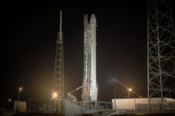 Falcon 9 and Dragon have gone vertical in advance of the 6:20am ET launch on Jan. 6, 2015. Credit: SpaceX.