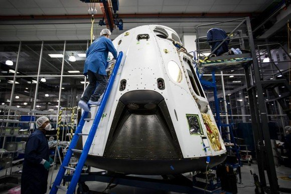First look at the SpaceX Crew Dragon's pad abort vehicle set for flight test in March 2014. Credit: SpaceX.