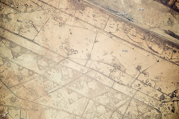 This image, taken by astronauts on the International Space Station on Nov. 7, 2014, shows patterns of fortification along the Iraq-Iran border. Credit: NASA/Expedition 41.