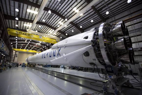 Falcon 9 and Dragon undergoing preparation in Florida in advance of April 13 launch to the International Space Station on the CRS-6 mission. Credit: SpaceX