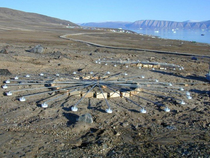 Infrasound arrays at infrasound monitoring station in Qaanaaq, Greenland. Image credit: CTBTO via Wikimedia, CC BY 2.0