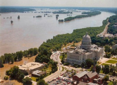 """Flood waters inundated parts of Jefferson City, Missouri, and threatened the Missouri State Capitol during the """"Great Flood of 1993."""" Image credit: WikimediaCommons"""