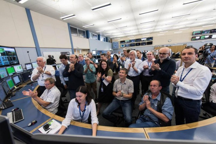 In the CERN Control Centre, the LHC operations team as well as members of CERN management applaud the announcement of stable beams this morning at 10.40am (Image: Maximilien Brice/CERN)