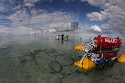 The researchers collected information on seawater at Heron Reef using an integrated sensor network. Credit: David I. Kline