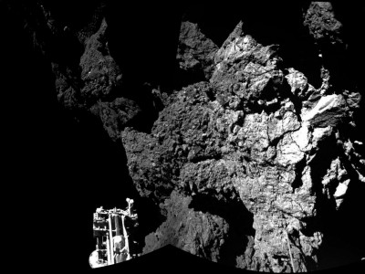 Selfie of the comet probe: This image was sent by Philae after landing on 67P/Churyumov-Gerasimenko. In the foreground you can see one of the three legs of the lander - now awakened from hibernation. © ESA/Rosetta/Philae/CIVA