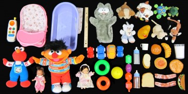 A selection of toys the tutors used when playing and speaking in Spanish to the babies. Image credit: I-LABS