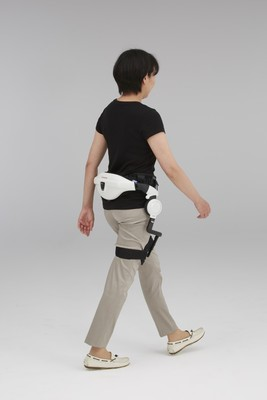 Honda's Walking Assist device is wearable and can be used up to 60 minutes between charges, which is enough for one therapy session. Image credit: hondanews.com