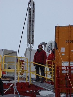 UCSC researchers lowered a geothermal probe through a borehole in the West Antarctic ice sheet to measure temperatures in the sediments beneath half a mile of ice. Image credit: WISSARD/UCSC