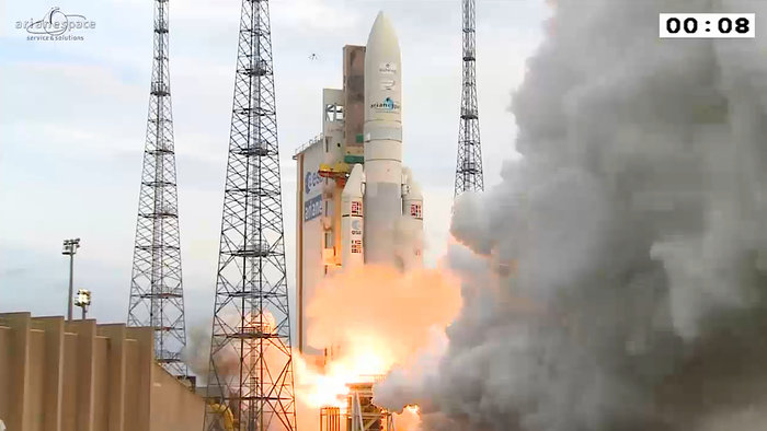 On 20 August 2015, Ariane 5 flight VA225 lifted off from Europe's Spaceport in French Guiana and delivered two telecom satellites, Eutelsat-8 West B and Intelsat-34, into their planned orbits. Copyright ESA
