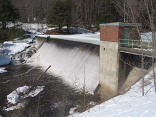 This non-hydropower dam on lower Montsweag Stream in Maine was removed in November 2010 with the goal of restoring fish passage. Image credit: Laura Wildman, Director, New England Regional Office, Princeton Hydro