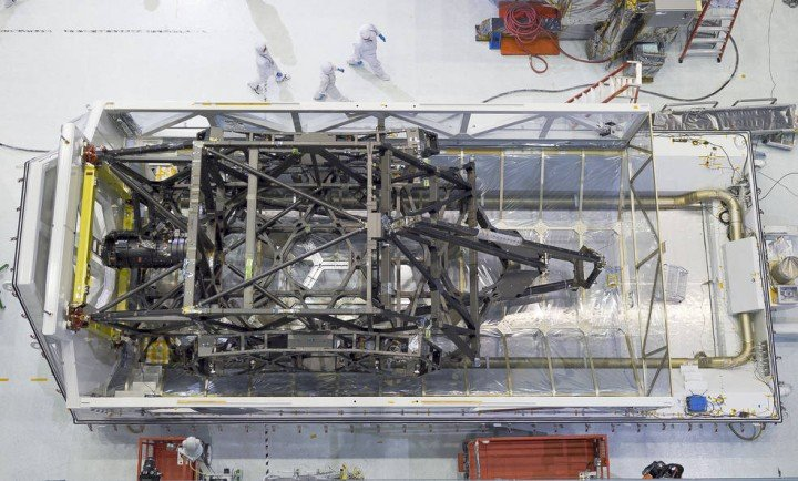 "The James Webb Space Telescope's ""spine"" or backplane arrived on Aug. 25 at NASA's Goddard Space Flight Center in Greenbelt, Maryland from Northrop Grumman. Credits: NASA Goddard/Chris Gunn"
