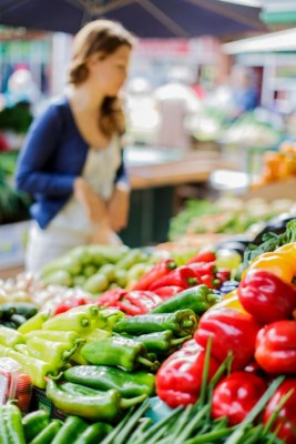 "A new UI study finds more Americans than ever before are shopping farmers markets and joining food coops because they enjoy knowing who grows their food. These so-called ""locavores"" are driven to eat locally grown food because their commitment makes them feel part of a community that shares their values"