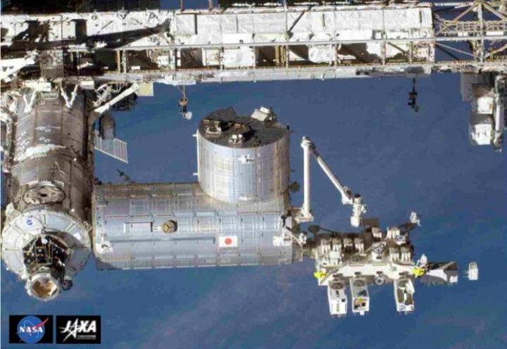 After berthing with the ISS, CALET is to be extracted by robotic arm from the Japanese H-II transfer vehicle (left, with Japanese flag) and installed on the Japanese Experiment Module (right) where it will start its first data-taking (Image: NASA/JAXA)