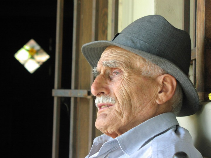 A combination of an antidepressant drug and an antipsychotic medication aripiprazole was found to work significantly better for elderly people with depression who failed to respond to an antidepressant alone. Image credit: Ahmet Demirel via Wikipedia.org, CC0 Public Domain.