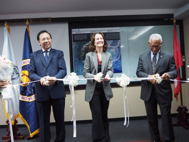 NASA Administrator Charles Bolden (right) cuts the ceremonial ribbon celebrating the opening of the SERVIR-Mekong hub in Bangkok, Thailand, on Monday, Aug. 31, 2015. Beth Paige (center), mission director for USAID Regional Mission for Asia, and Bhichit Rattakul, special advisor to the Asian Disaster Prepardness Center, joined Bolden. Credits: USAID Asia