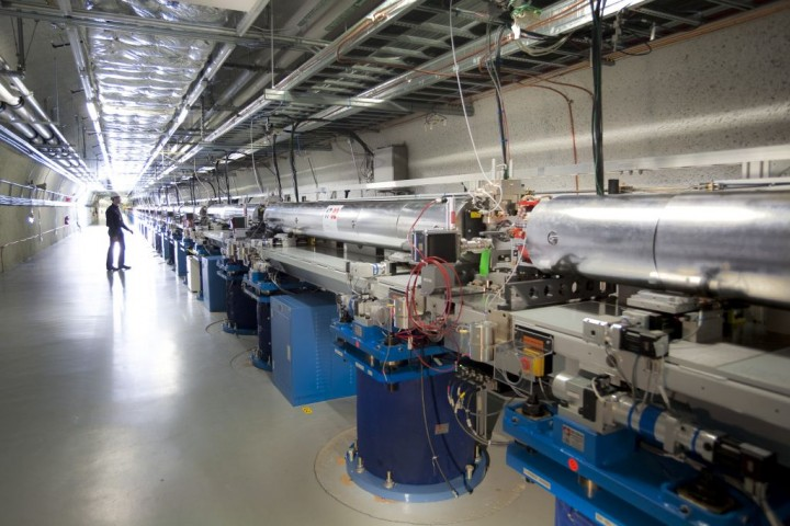 The Linac Coherent Light Source X-ray laser at SLAC (SLAC National Accelerator Laboratory)