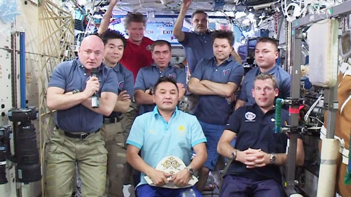 The nine-member space station crew takes questions from journalists around the world. Credit: NASA TV