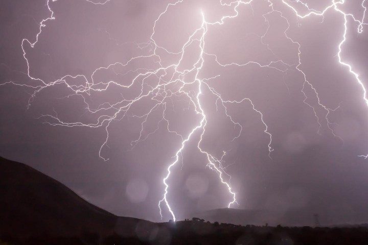 This image shows lightning. Image credit: Pixabay CC0 Public Domain