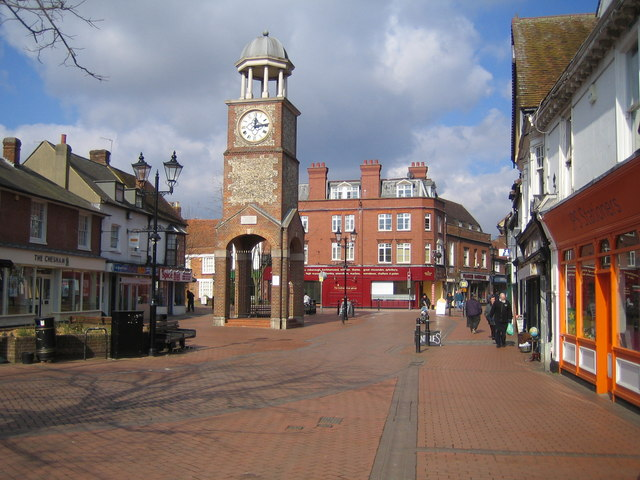 Strolling down the main street of Chesham, local inhabitants will soon be able to tap into an ultrafast WiFi service, courtesy of a new initiative – called Smart WiFi Pavement – by Virgin Media and the Chiltern District Council that allows people, as well as commercial establishments, to use wireless connectivity right on the pavement. Image credit: Nigel Cox via geograph.org.uk, CC BY-SA 2.0.