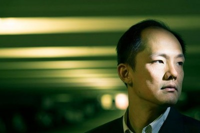 Associate professor Chi On Chui developed a device that could reduce emergency room time for heart attack patients by two to three hours. With a single drop of blood, the sensor can help screen out patients who do not require further medical care. Image credit: Michael Tighe