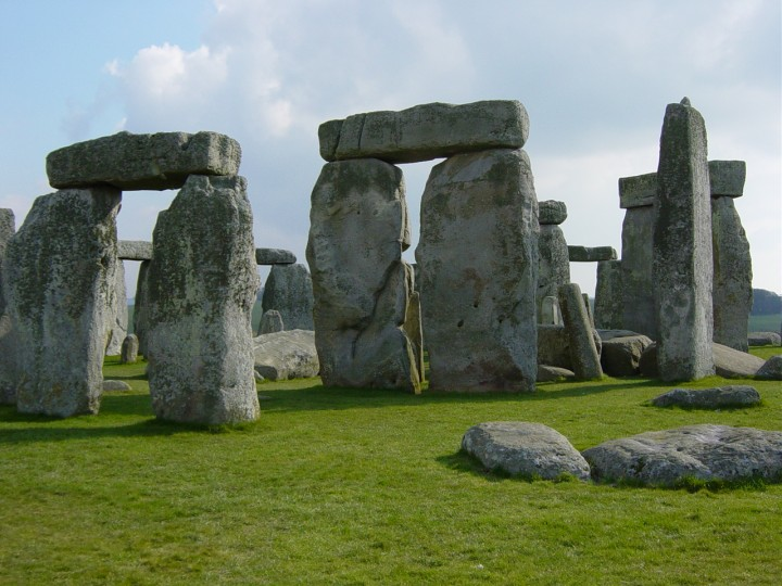 Stonehenge is a rather mysterious structure and up to this day there is some speculation about the purpose of it. However, now scientists know what builders of it ate – boiled and barbequed pork and beef dominated their diet, while diary had ritual significance. Image credit: Daveahern~commonswiki via Wikimedia, Public Domain