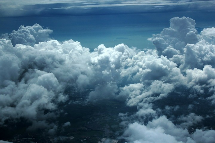 Holographic imaging of clouds helps researchers learn more about the mixing of wet and dry air that takes place within them, a development that may eventually lead us to much more accurate weather and climate change models.