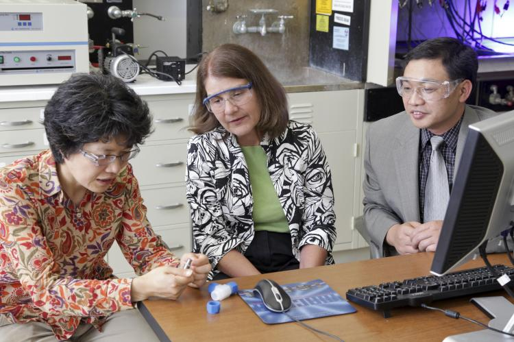 ORNL's Nancy Dudney (center) and former lab researchers Jane Howe and Chengdu Liang were among the developers of lithium-sulfur materials that have been licensed to Solid Power for use in next-generation batteries