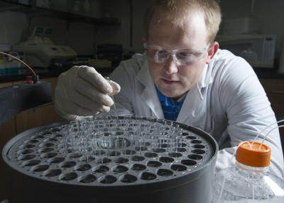 1511-30 124 Brady Bundy (chemical engineering) Just add water therapeutics Student- Jacob Williams November 17, 2015 Photography by: Mark A. Philbrick/BYU Photo Copyright BYU Photo 2015 All Rights Reserved photo@byu.edu (801)422-7322 8018