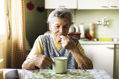 A common drug for anxiety and insomnia is not linked to dementia, but caution in its use in the elderly is still advised.