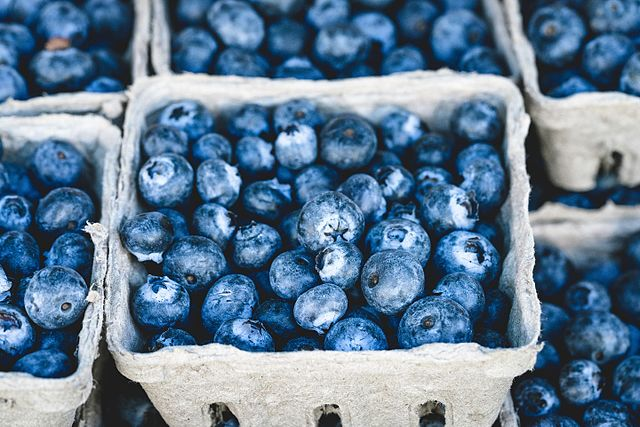 """Blueberries are considered to be a superfood and their health benefits are many. However, most scientists agree that the term """"superfoods"""" itself is just a clever marketing strategy. Image credit: veeterzy - Unsplash.com via Wikimedia, CC0"""